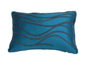 Kussenhoes met ronde piping en rits, gemaakt van geborduurde blauwe stof, 40x60cm.