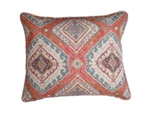 Kussenhoes met ronde piping en rits, gemaakt van oranje/blauw/rood/grijs stof met patroon 50x60cm.
