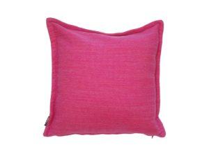 Kussenhoes met platte piping en rits gemaakt van roze wollen stof 45/45cm.