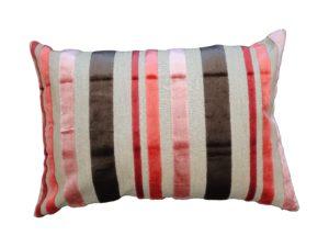 Kussenhoes met rits, gemaakt van bruin/rood/oranje/roze gestreepte stof , 40x60cm.